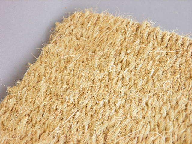 天然素材ココヤシ繊維がスピード速乾・吸水、床に水ダレは致しません