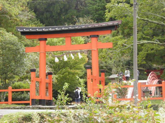 丹生都比売神社まで三谷坂を通って妙寺駅より約3時間